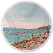 Rockpool At Currarong Round Beach Towel