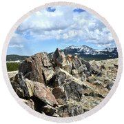 Rocky Crest At Big Horn Pass Round Beach Towel