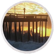 Rolling Waves At The Pier Round Beach Towel