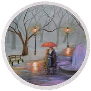 Romance In The Park Round Beach Towel