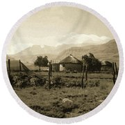 Rondavel In The Drakensburg Round Beach Towel