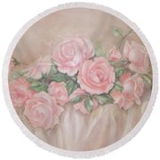 Rose Abundance Painting Round Beach Towel