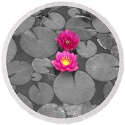 Rose Of The Water Round Beach Towel