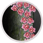 Roses Climbing Pillar Round Beach Towel