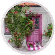 Roses Decorating The House Entrance Round Beach Towel