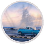 Rough Surf On The Malecon Round Beach Towel