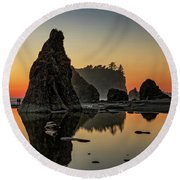 Ruby Beach At Sunset Round Beach Towel
