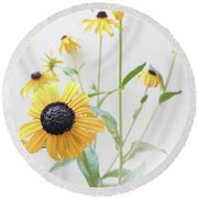 Round Beach Towel featuring the photograph Rudbeckia 1 by Cindy Garber Iverson