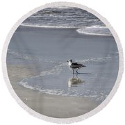Ruffled Feathers Round Beach Towel