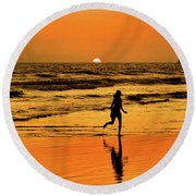 Run To The Sun Round Beach Towel