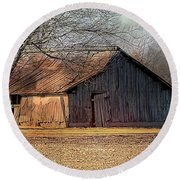 Rustic Midwest Barn Round Beach Towel