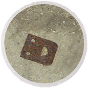 Rusty Metal Hinge Smiley Round Beach Towel