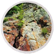 Rusty Rock Face Round Beach Towel