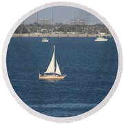 Sailboat On The Pacific In Long Beach Round Beach Towel