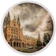 London, England - Saint Pancras Station Round Beach Towel