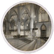 Saint Patrick's Cathedral In New York City Round Beach Towel