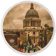 London, England - Saint Paul's In The City Round Beach Towel