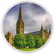 Salisbury Cathedral, Uk Round Beach Towel