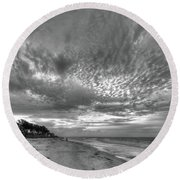 Sanibel Island Sunrise In Black And White Round Beach Towel
