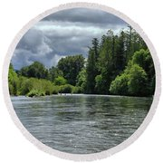 Santiam River Fishing Round Beach Towel