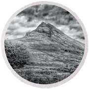 Scafell Pike In Greyscale Round Beach Towel