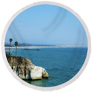 Scenic Outcropping Round Beach Towel