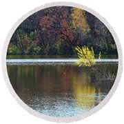 Schulze Lake In Autumn Round Beach Towel