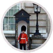 Scots Guard Buckingham Palace Round Beach Towel
