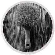 Scrub Brush Up Bw Round Beach Towel