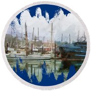 Sea Breeze And Lady Law Round Beach Towel