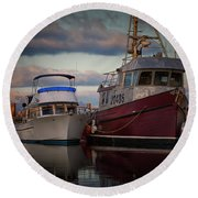 Round Beach Towel featuring the photograph Sea Rake by Randy Hall