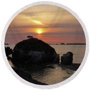 Sea Stack Sunset Round Beach Towel