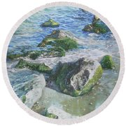 Sea Water With Rocks On Shore Round Beach Towel