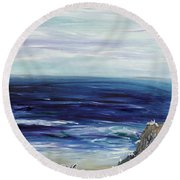 Seascape With White Cats Round Beach Towel