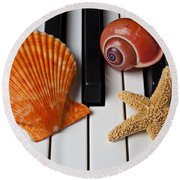 Seashell And Starfish On Piano Round Beach Towel