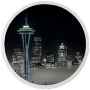 Seattle Foggy Night Lights In Bw Round Beach Towel