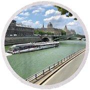 River Seine In Paris Round Beach Towel