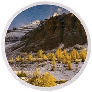Sentinel Pass Pinnacle Peak Golden Autumn Light Round Beach Towel