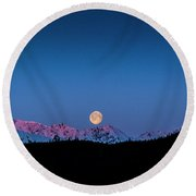 Setting Moon Over Alaskan Peaks Round Beach Towel