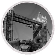 Seven Seconds - The Tower Bridge Hawker Hunter Incident Bw Versio Round Beach Towel