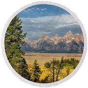 Shadow Mountain Morning Round Beach Towel