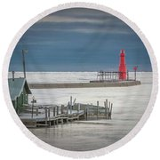 Shanty Watch Round Beach Towel
