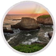 Shark Fin Cove Sunset Round Beach Towel