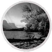Shoreline Black And White Round Beach Towel