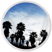 Silhouette In Tropea Round Beach Towel
