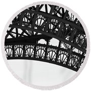 Silhouette - Paris, France Round Beach Towel