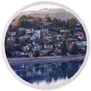 Silver Lake Reservoir With Griffith Observatory And Hollywood Sign Round Beach Towel