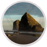 Silver Point Seastacks Round Beach Towel