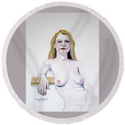 Sketch Mary Leaning Round Beach Towel