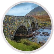 Sligachan Bridge View #h4 Round Beach Towel